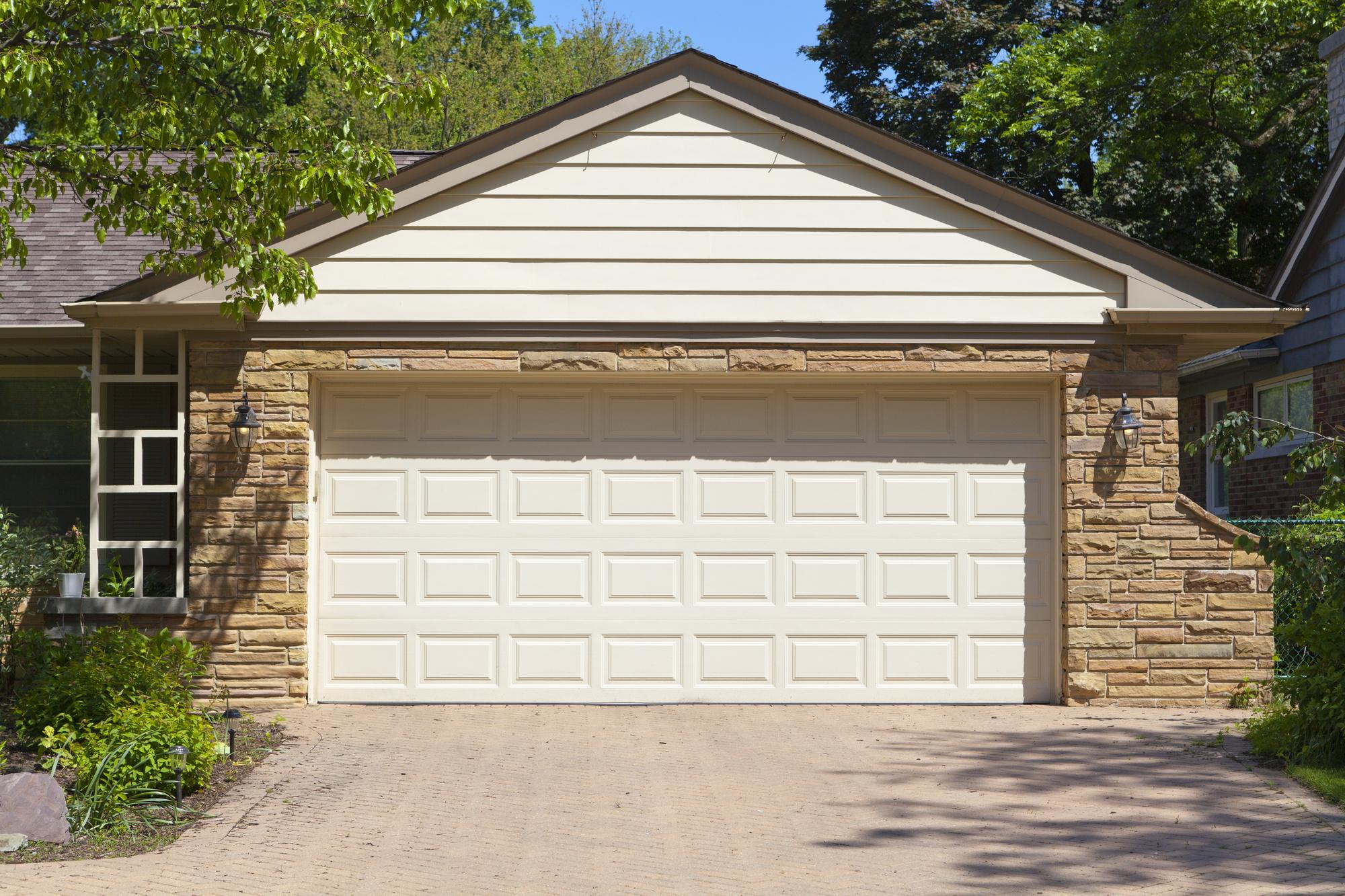 5 signs you need a new garage door in fort worth solutioingenieria Gallery