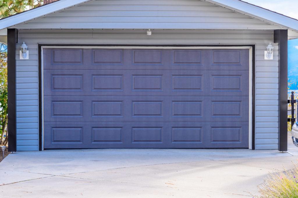 garage door in Arlington, TX