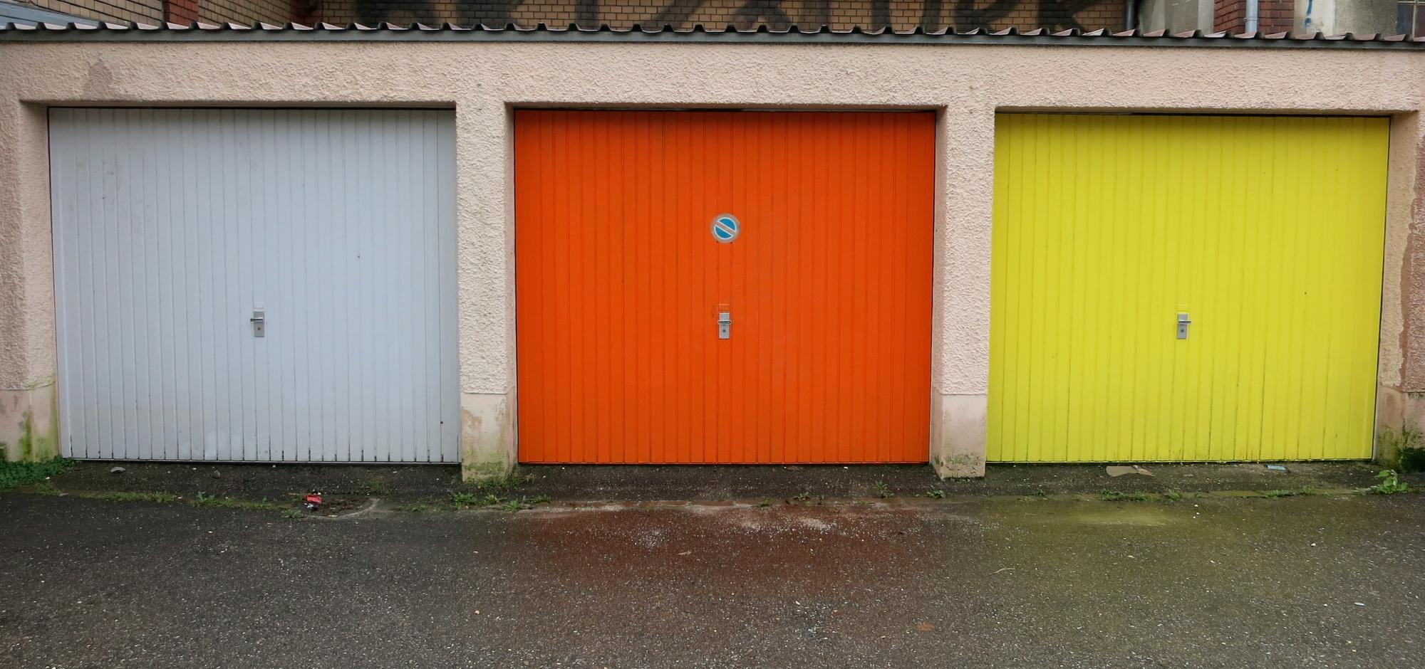 How To Choose Garage Door Colors For Your Arlington Tx Garage